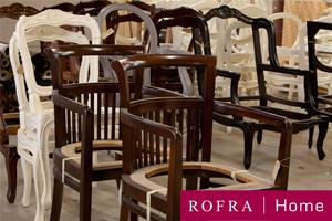 Houten stoelen in lak